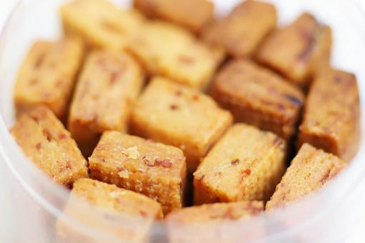 Stick-shaped honey mustard onion sable sweets