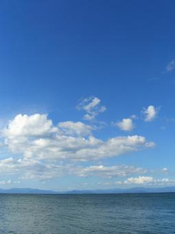 Lake and sky, clouds and mountains in Kosai 004