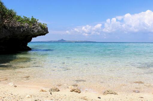 Okinawa's hidden beach 2
