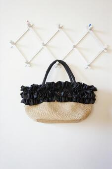 Bag with frills
