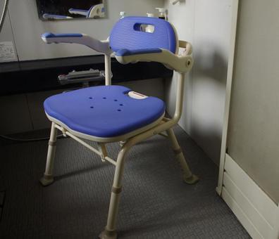 Long-term care assistant bath chair 3