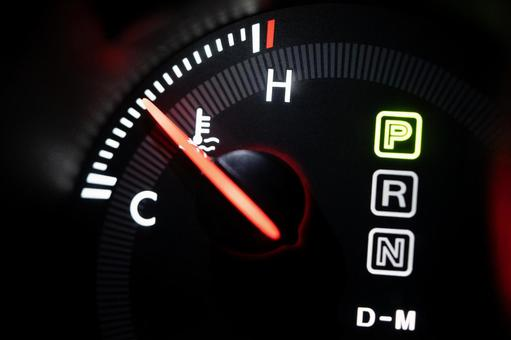 Coolant temperature gauge of sports car
