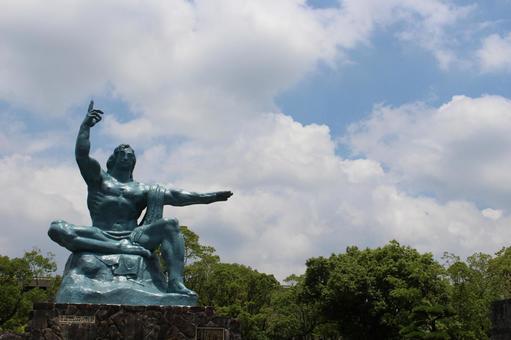 長崎縣長崎市和平紀念雕像010