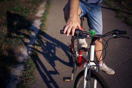 人骑自行车23