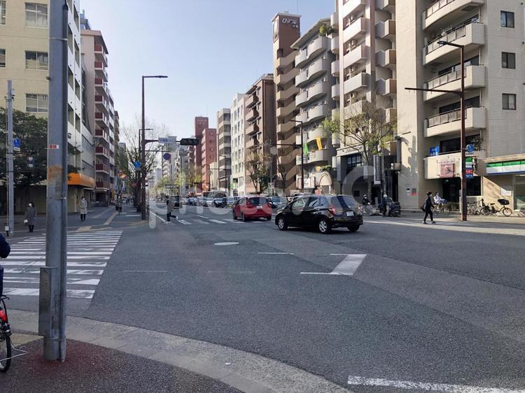 福岡シティ 平尾駅入口交差点の写真