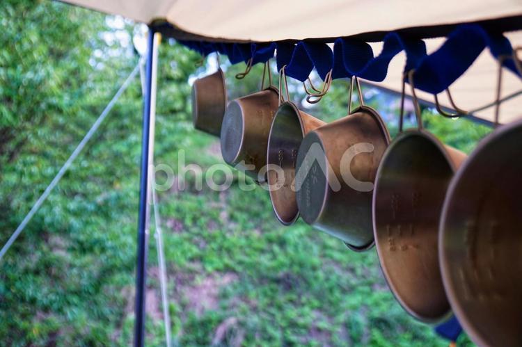 キャンプとシェラカップの写真