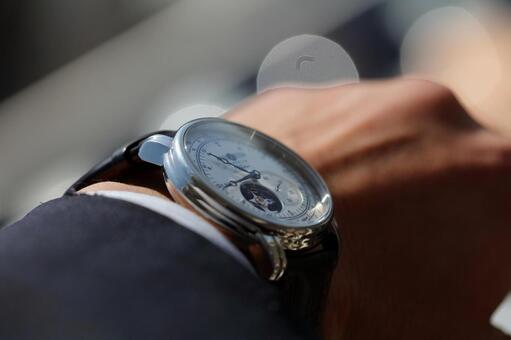 Watch a watch