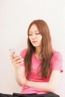 Women who use smartphones 8