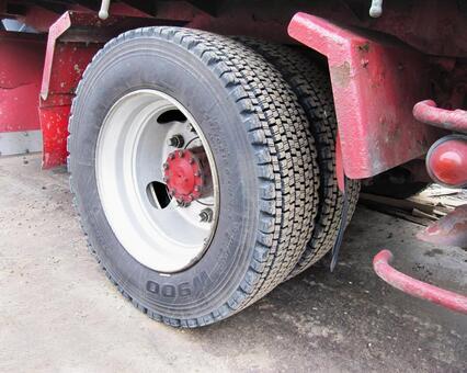 大型汽车轮胎