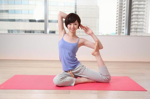 婦女是瑜伽2