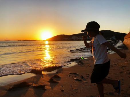 Sunset and Boy (Running Ver)