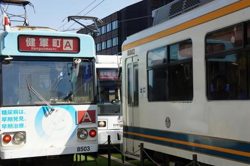 张建军的町航班公共汽车