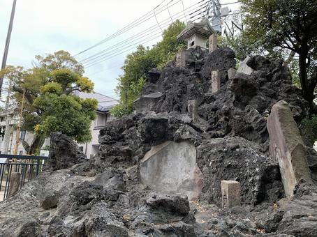 Ayase Inari Shrine Fujizuka