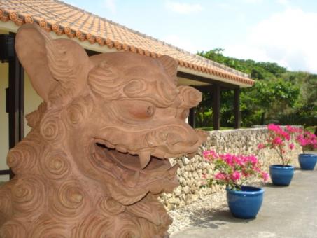 Shisa up Okinawa background