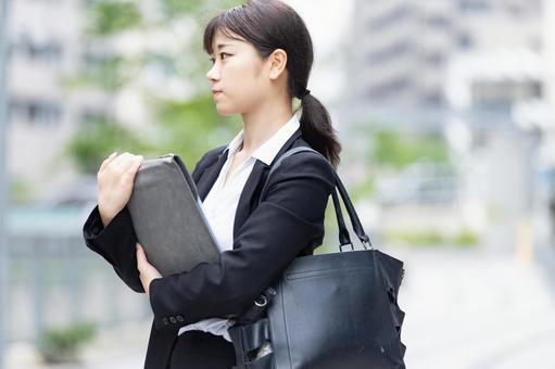 [부근 · 기업 방문] 신입 사원 취업 활동 학생