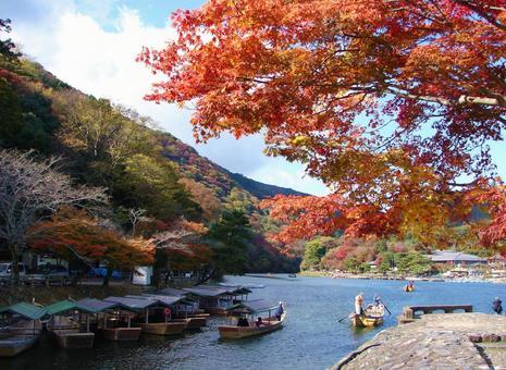 Kyoto Arashiyama Autumn leaves and houseboat