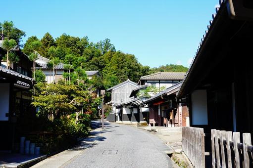 走過京都佐賀野鳥居街