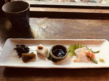 Japanese restaurant course meal appetizer