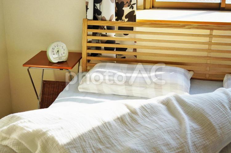 朝の寝室の写真