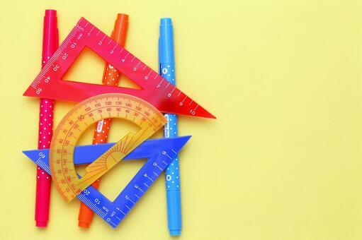 Triangular ruler and pen