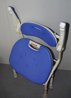 Long-term care assistant bath chair 2