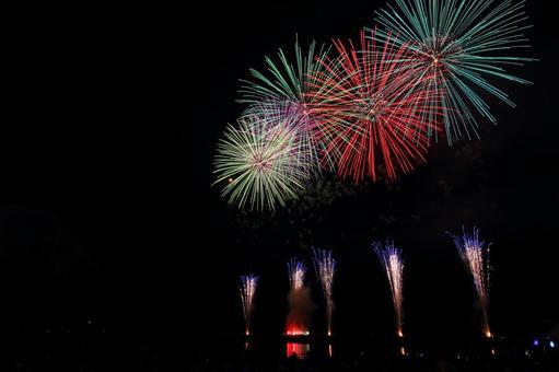 Fireworks display grand scale 2