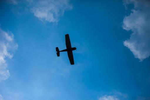 蓝天和飞机2