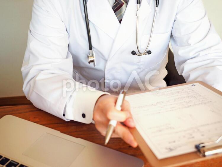 問診するドクター01の写真