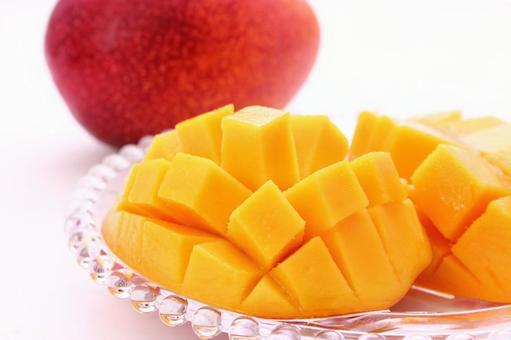 Cut mango 10
