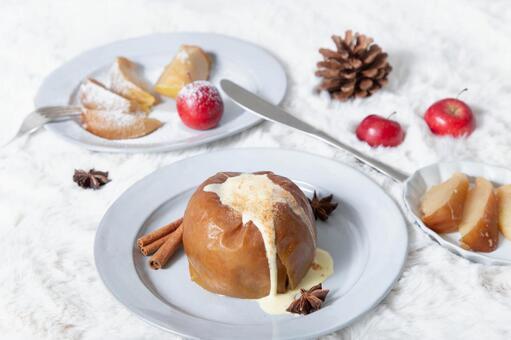 Winter dessert roasted apples