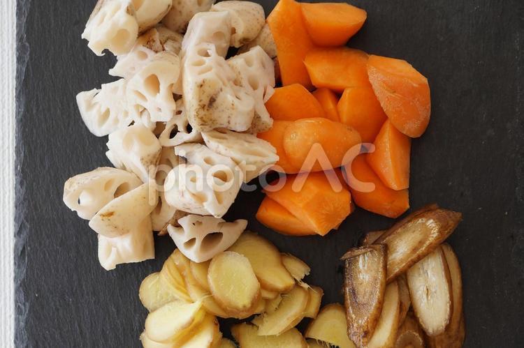 根菜類のカットの写真