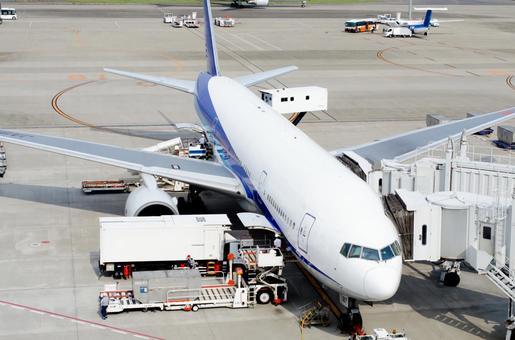 Passenger aircraft 10
