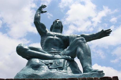 長崎縣長崎市和平紀念雕像019