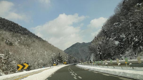 冬季高速公路开车2