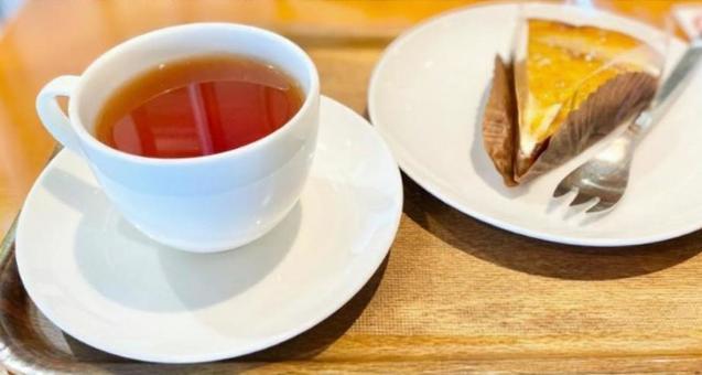 Tea time (tea and cake)