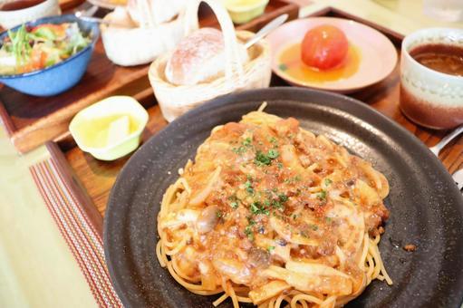 Meat sauce pasta set ④