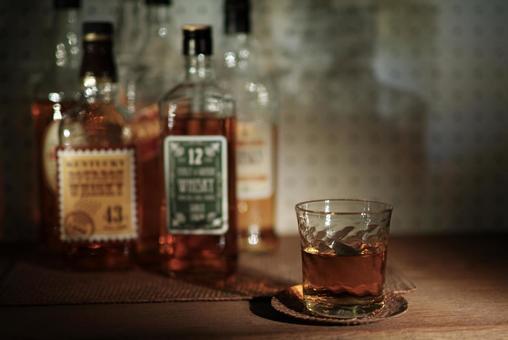 威士忌酒瓶