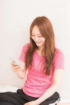 Women who use smartphones 6