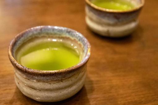 Break with green tea