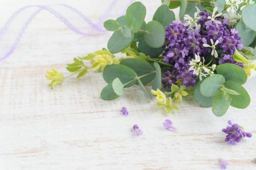 A natural bouquet of lavender and eucalyptus