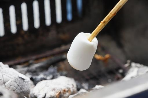 Roasted marshmallows after barbecue