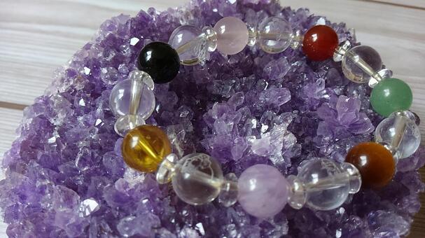 Crystal beads purifying on purple crystal