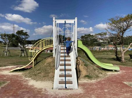 중성 공원 유아 놀이기구 광장 3