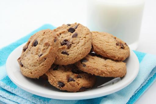 Cookies and milk 3