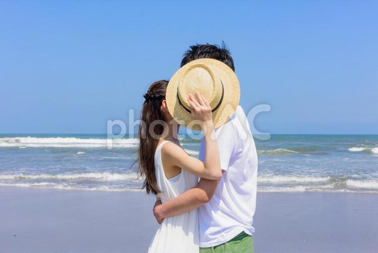 帽子で顔を隠してキス5の写真