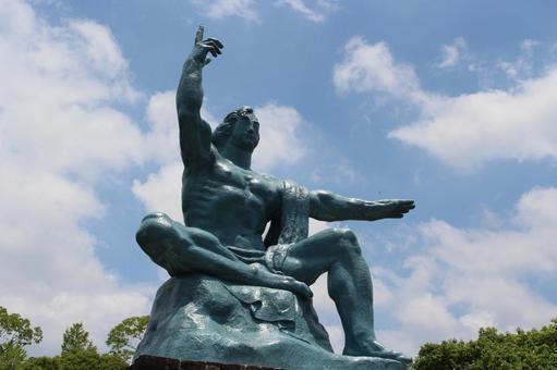 長崎縣長崎市和平紀念雕像017