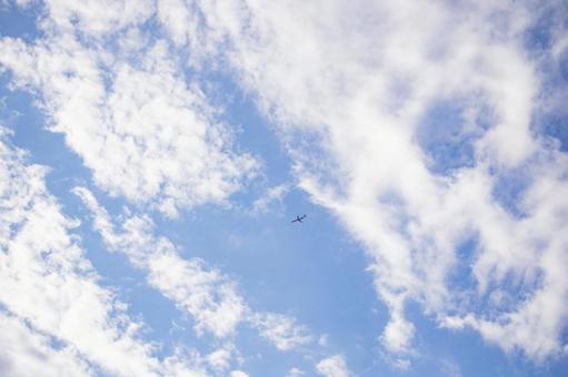 하늘 푸른 하늘 푸른 하늘 배경 구름 있습니다 비행기