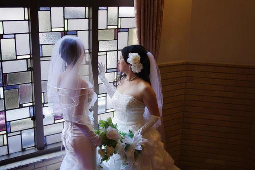 女夫妻同性婚姻的形象照片
