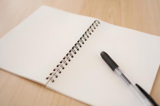 筆記本和筆