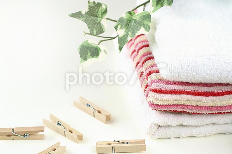 重ねたタオルの写真